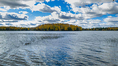 Picture 1 of Horsehead Lake