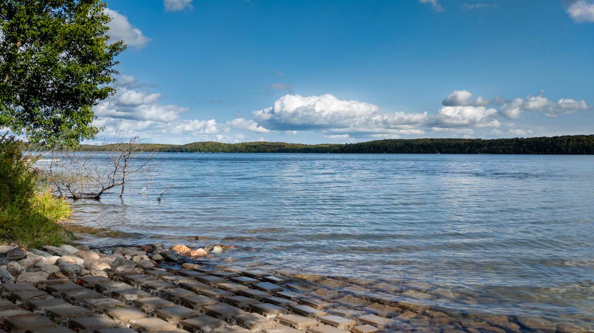 Picture 3 of Kentuck Lake